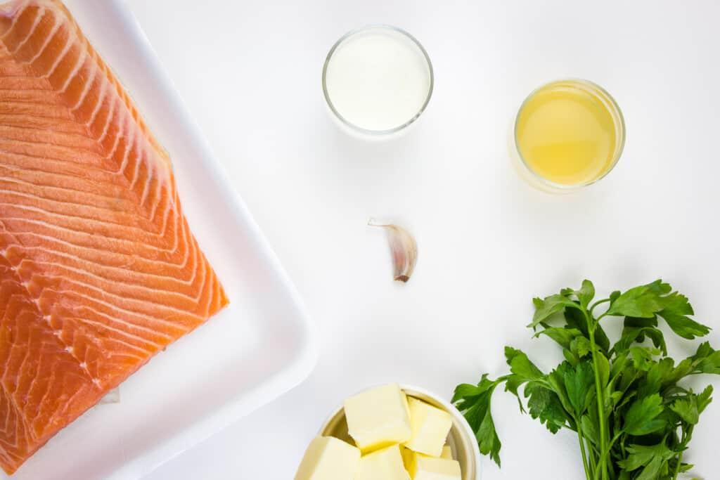 ingredients to make keto salmon with lemon butter sauce