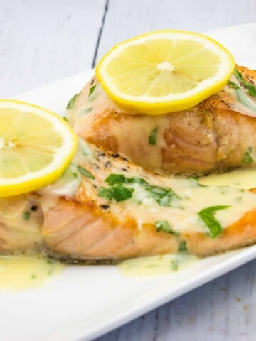keto salmon with lemon herb butter sauce