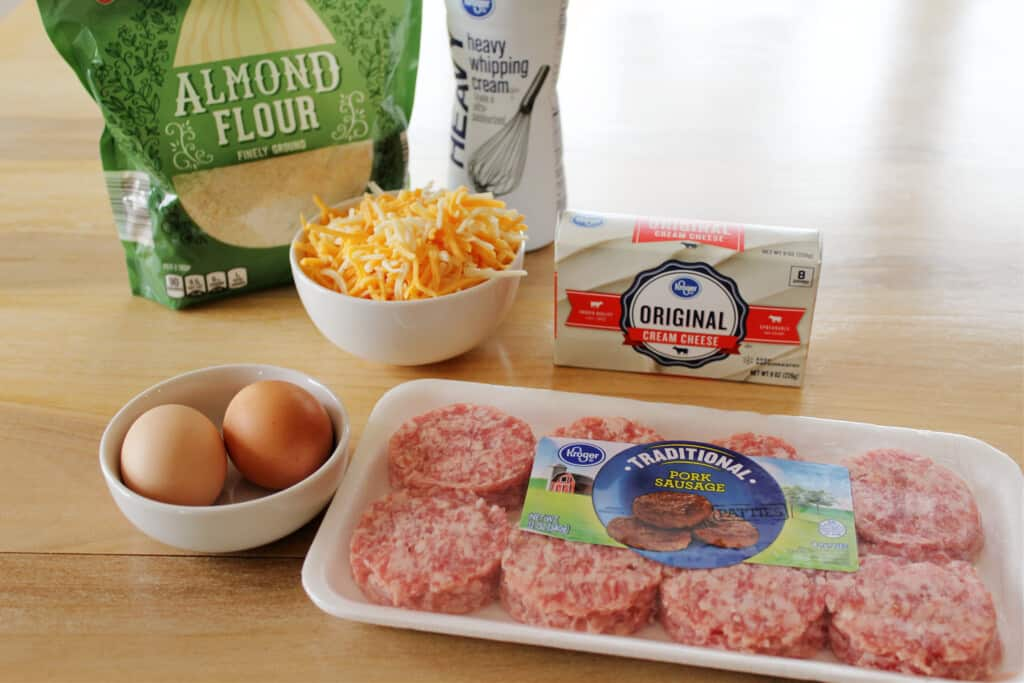 ingredients to make keto breakfast sandwiches with sausage