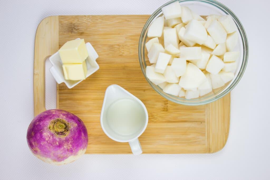 ingredients to make mashed turnips