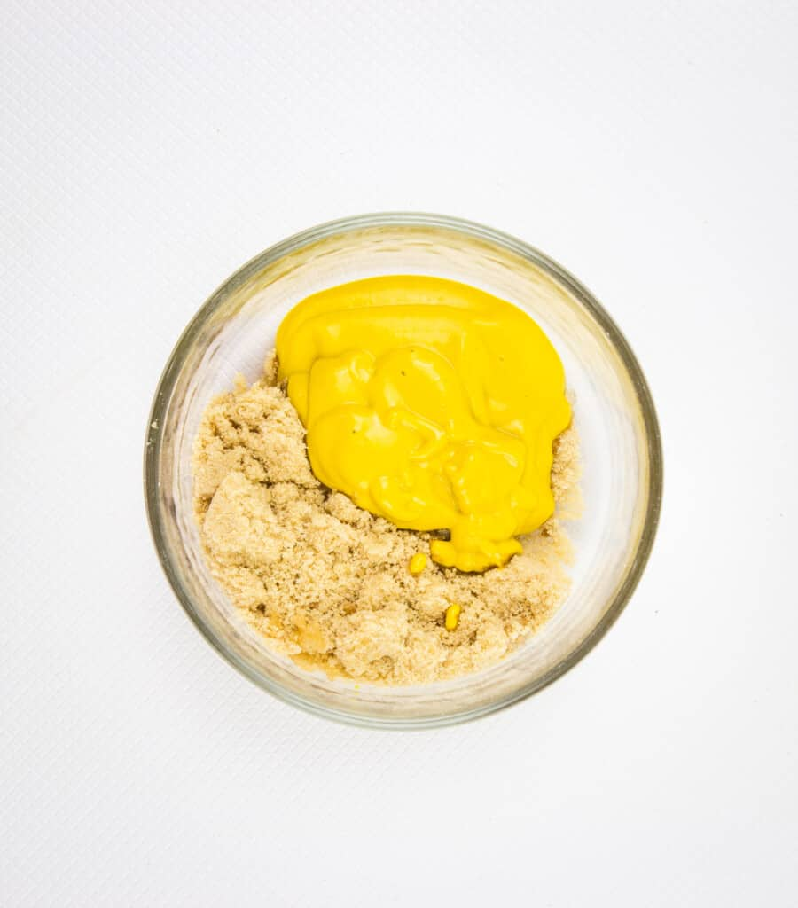 The mustard and brown sugar substitute in a bowl.