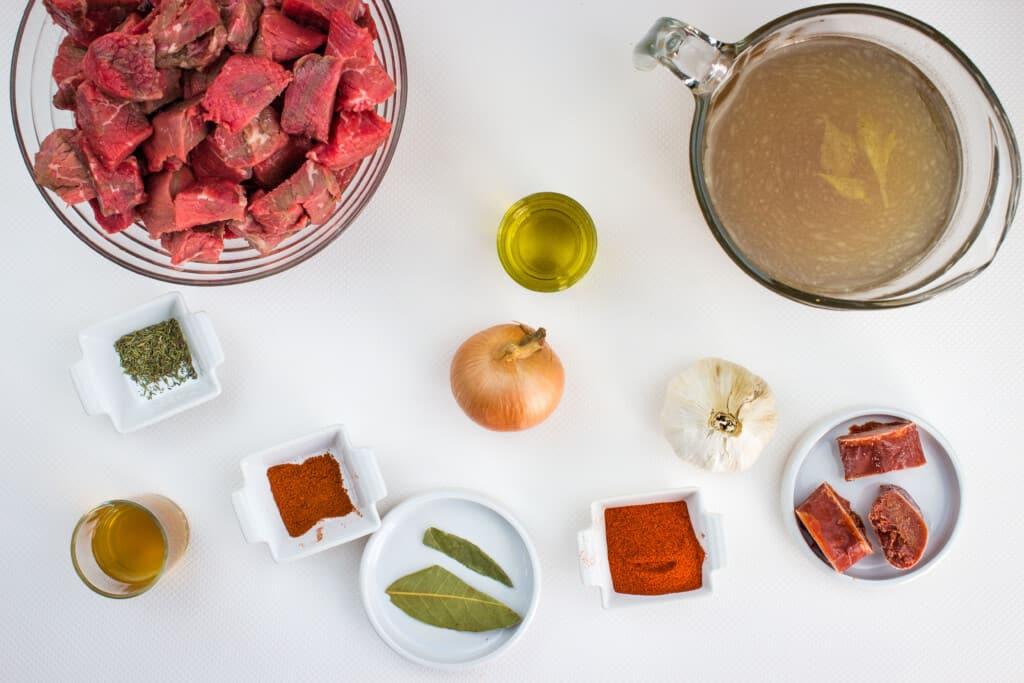 Ingredients to make Hungarian Keto Goulash.