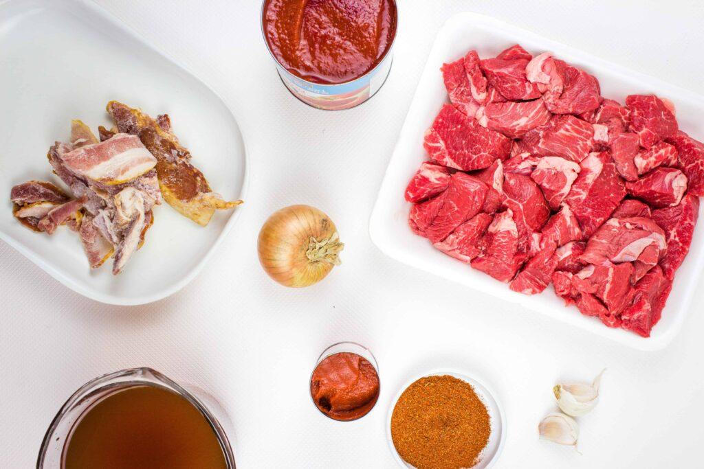ingredients to make easy keto chili recipe