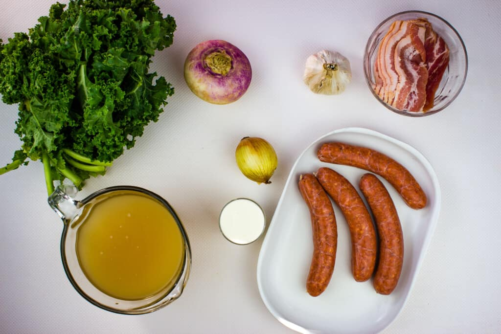 ingredients to make keto zuppa toscana soup recipe.