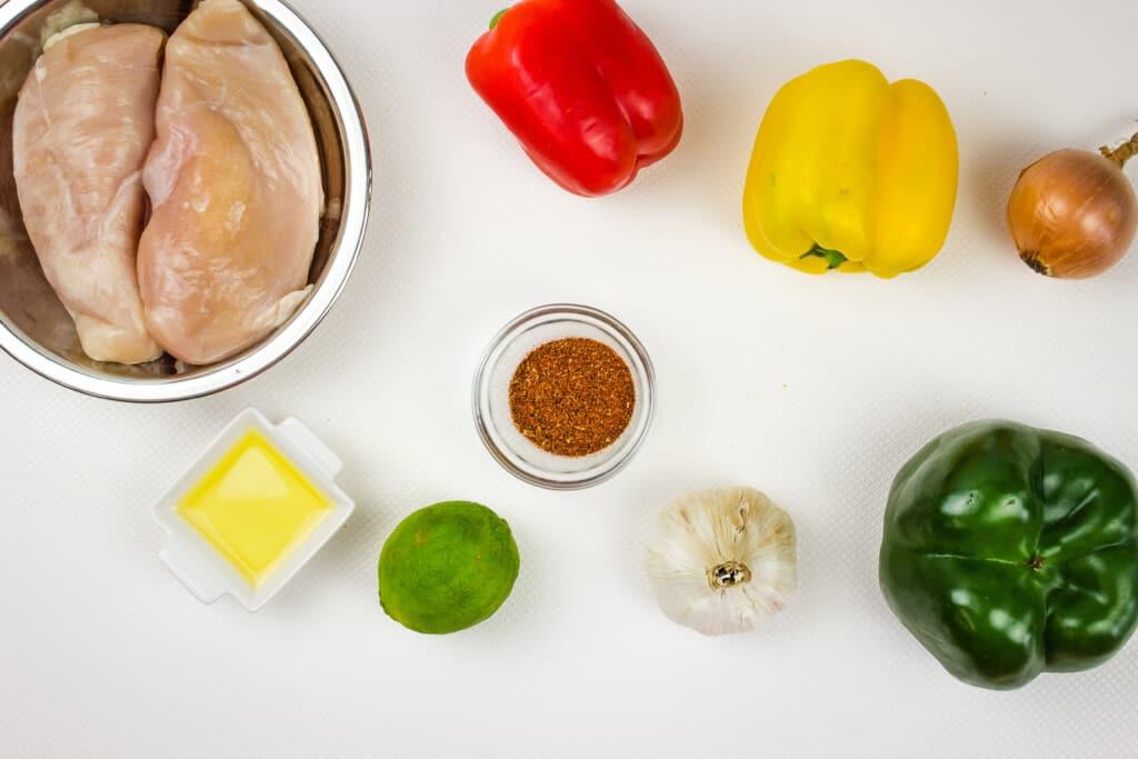 ingredients to make skillet chicken fajitas
