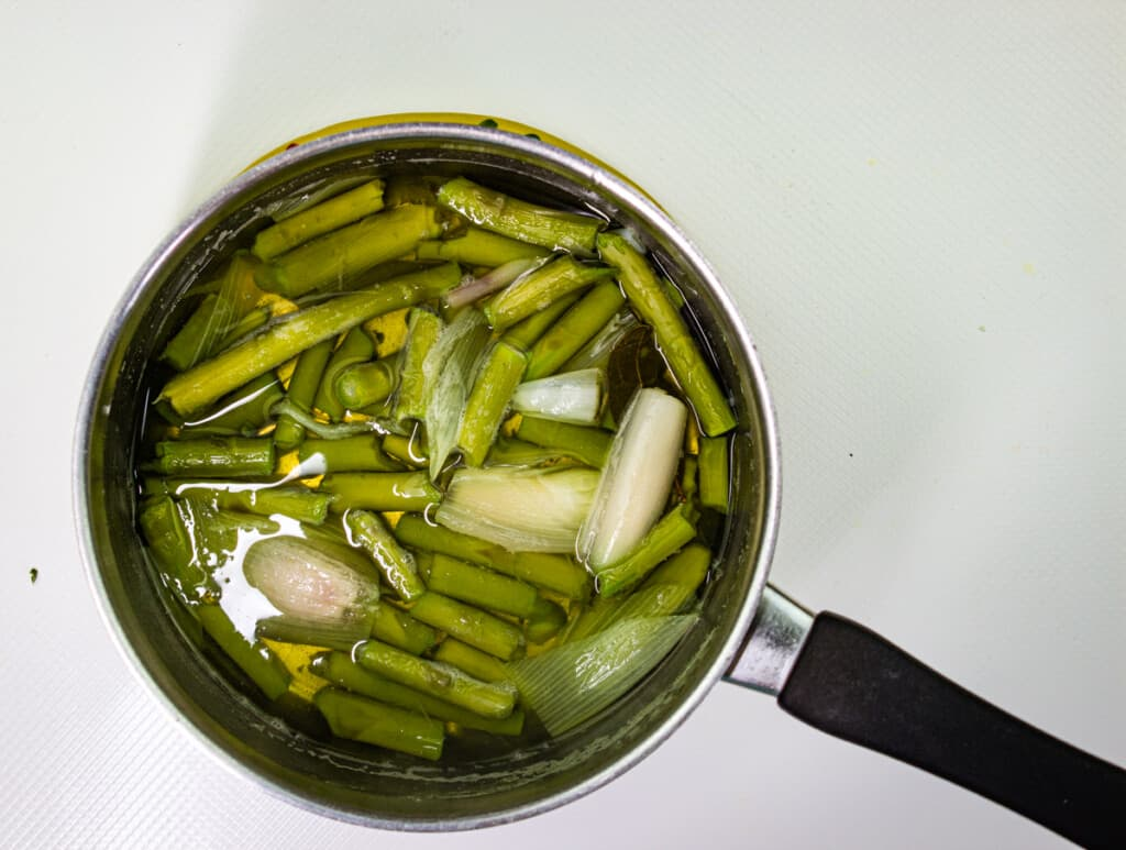 finished asparagus broth