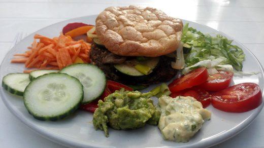 Koolhydraatarme en vegetarische champignonburgers