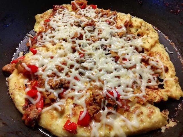 Pizza-omelet
