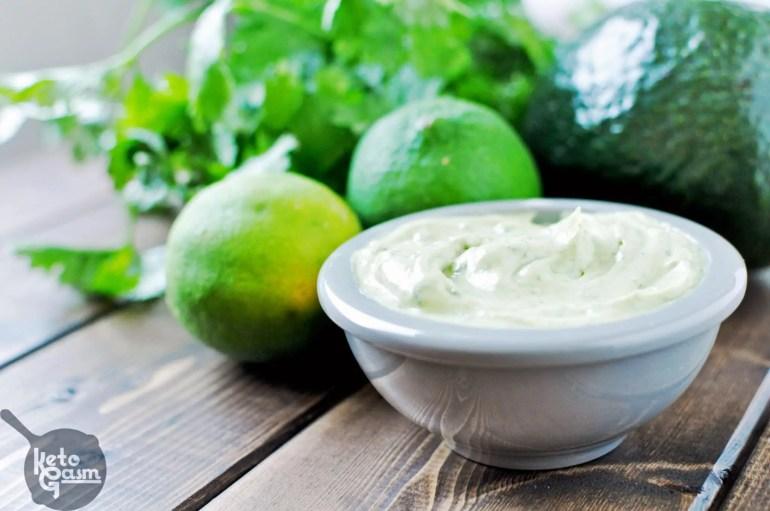 Avocado Cilantro Lime Mayo [Recipe] | KETOGASM Only 4 ingredients! #keto #lchf #lowcarb #atkins #paleo #whole30 #condiments #mayonnaise #mayo keto recipes