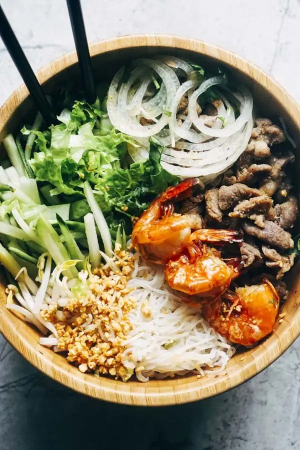 Keto Vietnamese Food | Noodle Bowl Salad with Shirataki