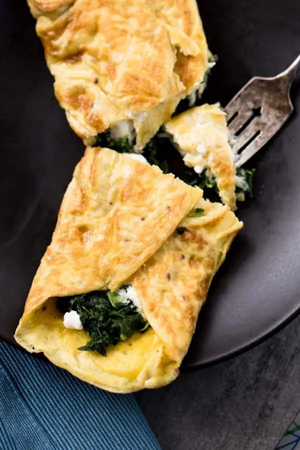 Spinach, Goat Cheese, Garlic, & Thyme Omelet Recipe