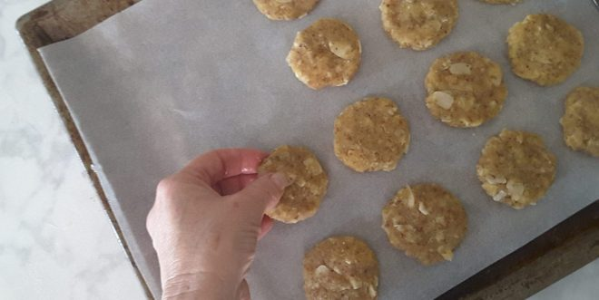 Low Carb Anzac Biscuits