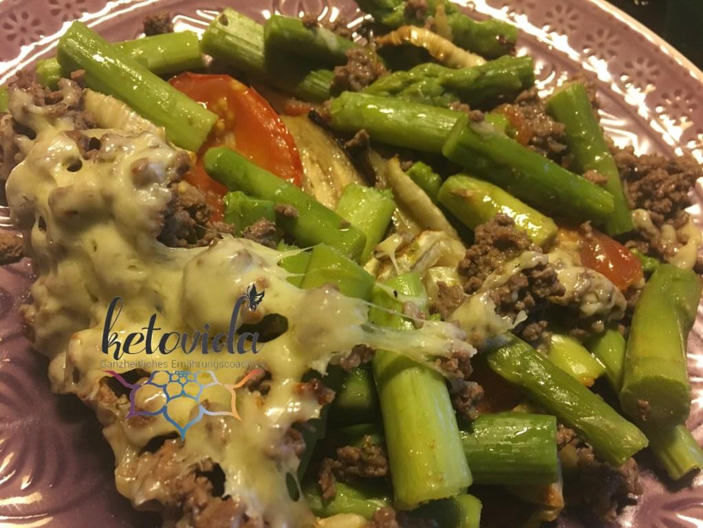Gemüseauflauf mit Spargel