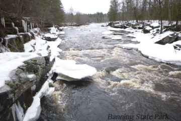 kettle river winter view