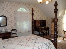 Quilt made by wounded Confederate soldier on Stonewall Jackson's bed, Winchester, Virginia