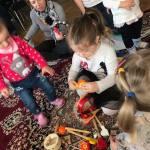 Játék, móka, kacagás – baba-mama klub Kétyen
