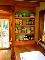Ah, I love pottery.. yay for Etsy.