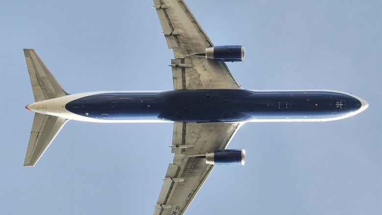 777 flying overhead