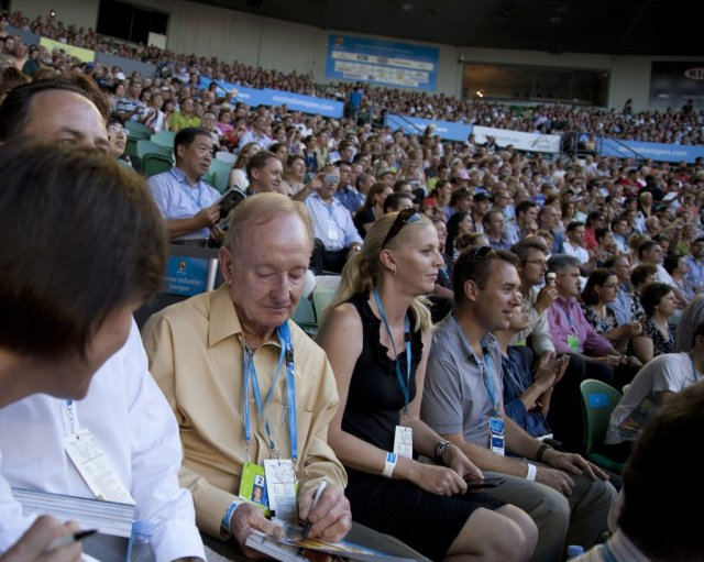 IMG_4804The Great Man himself Rod Laver at the Rod Laver Arena obliging an Autograph seeker. - Copy