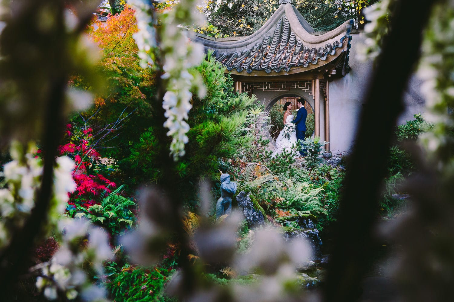 Newly married couple portrait in theJapanese garden