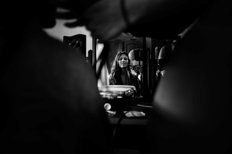 The Bride in the mirror