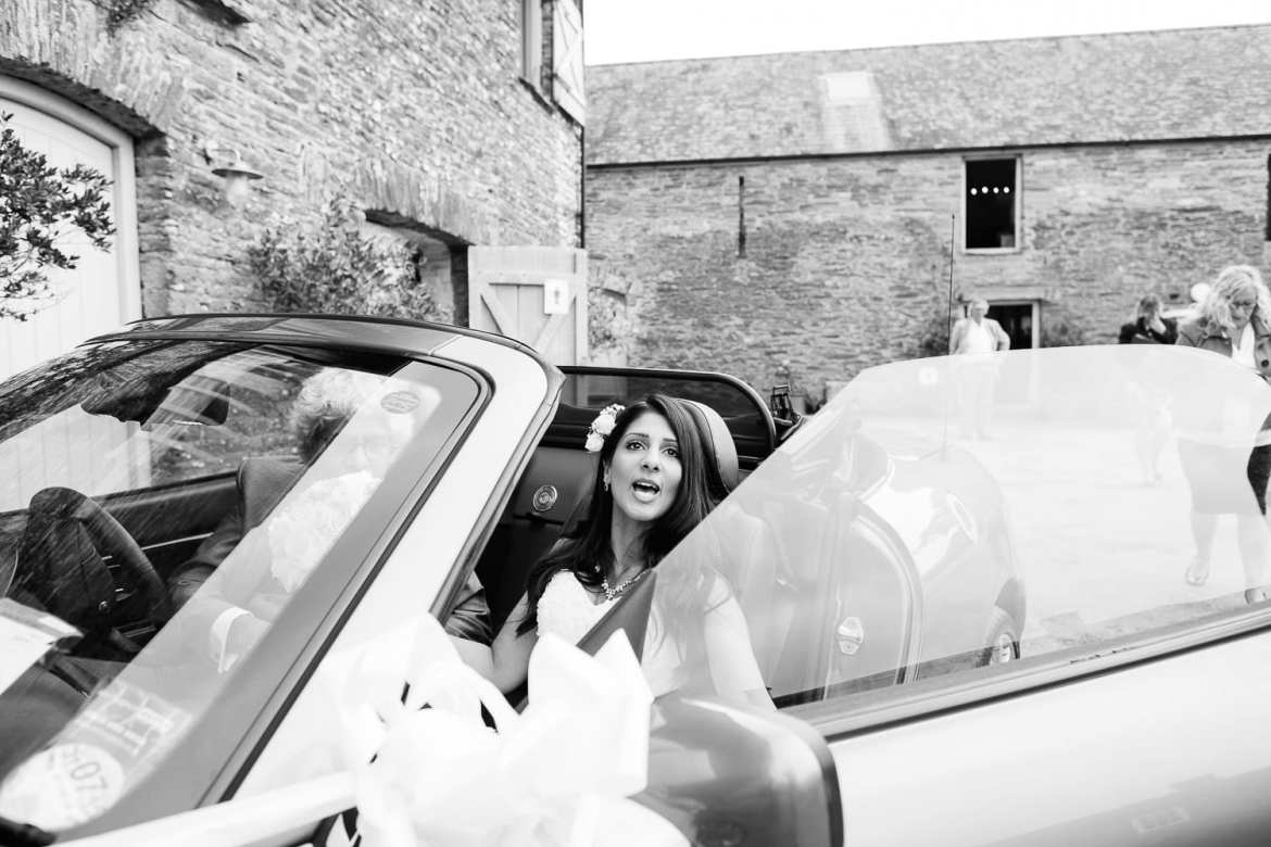 The bride arrives at Shilstone in her fathers car