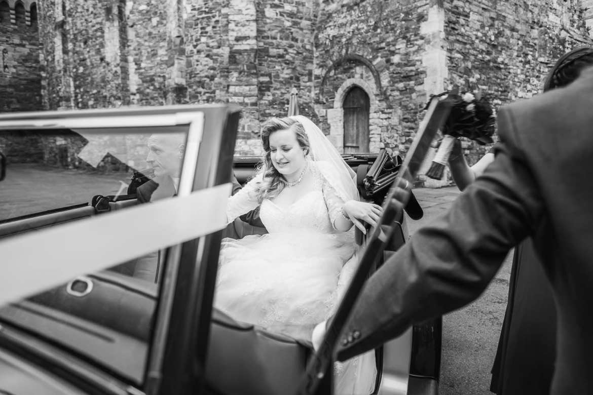 The bride arrives at the castle