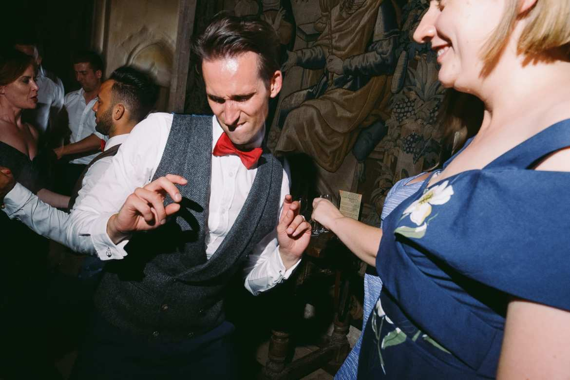 The other groom getting down