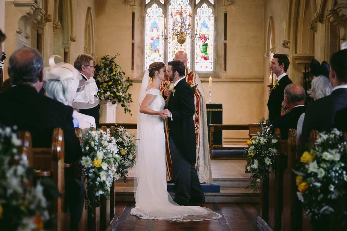 Wiltshire Lxury Barn wedding