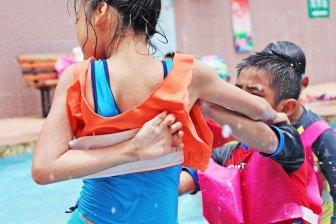 kids arguing at pool
