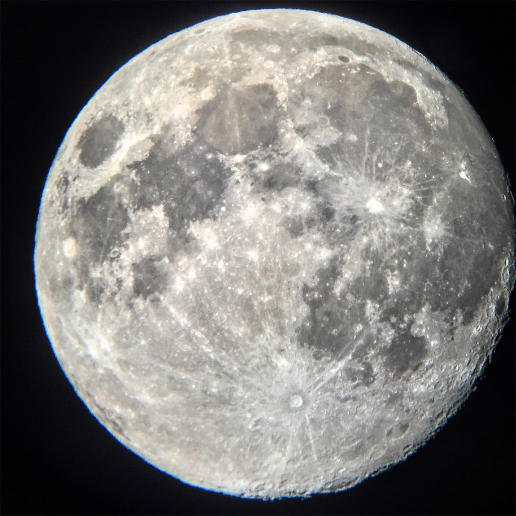 April 2016 Luna the moon