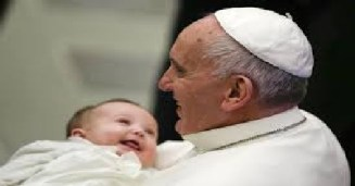 11Pope Francis with Baby