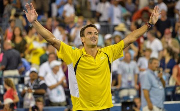 f_02SEP13_9413_Federer_Robredo_Pete