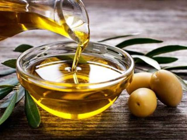 Photo - Healthline - AN257-Pouring-Olive-Oil-732x549-thumb