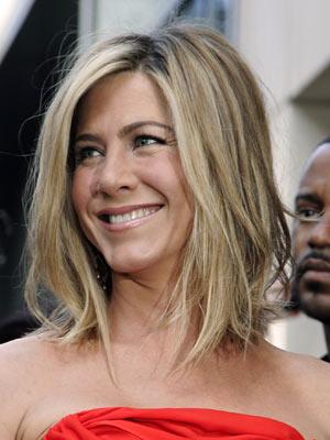 Jennifer Anistons 30 Minute Beauty Blitz With A