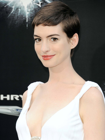 Anne Hathaway Proves Short Hair Can Be Sexy With A