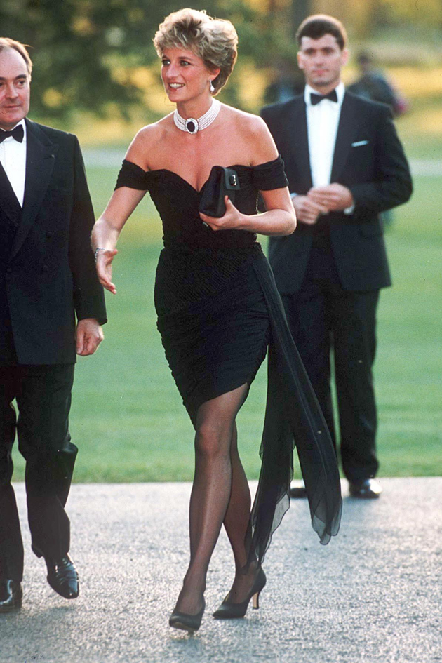 The Story Behind The Picture Princess Diana At The