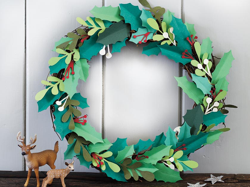 A Paper Wreath With Berries To Make Womans Weekly