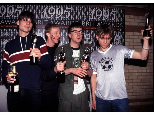 90s Fashion  The Trends We All Rocked   Look Magazine Blur at the 1995 Brit Awards