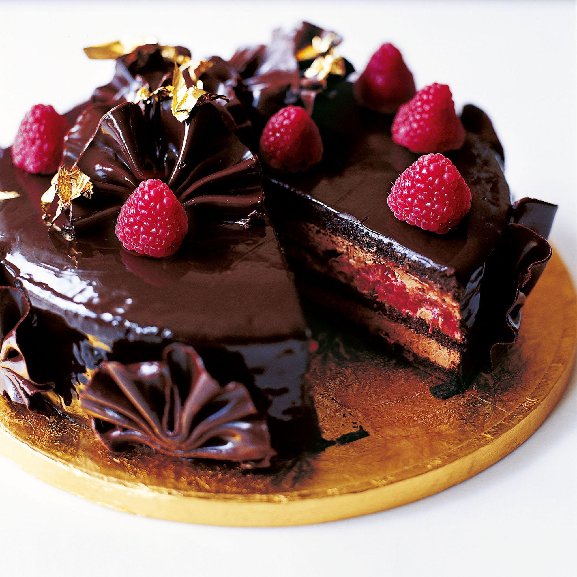 Glamorous Chocolate Cake