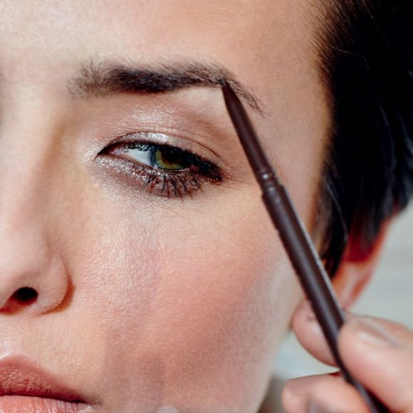BROW GUIDE:  How to Fix Gaps and Holes 1