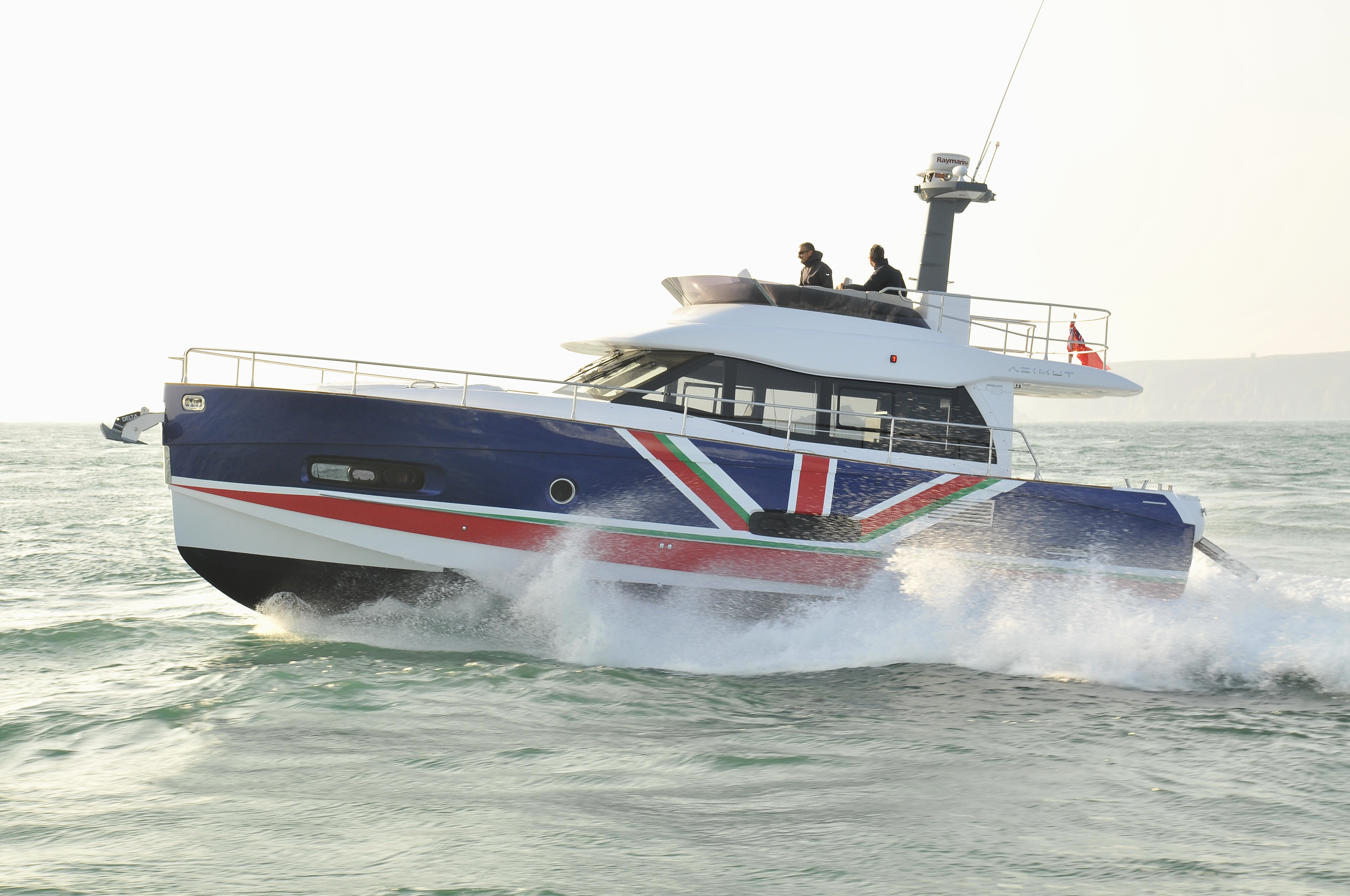 VIDEO Azimut Magellano 43 Takes On The British Channel