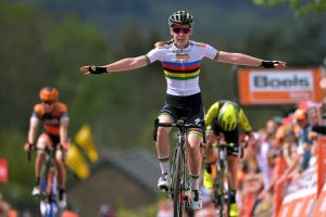 Anna van der Breggen makes it six from six with La Flèche Wallonne 2020 victory