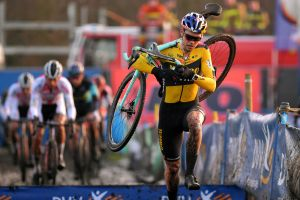 Wout van Aert expected to return to cyclocross next month