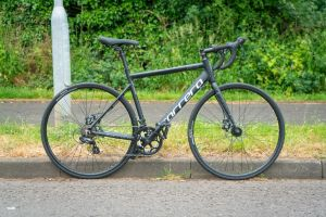 Can you buy a decent road bike for £300?