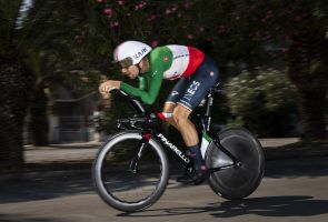 <div>Filippo Ganna destroys rivals in men's time trial at Imola 2020 Road World Championships as Rohan Dennis knocked into fifth</div>