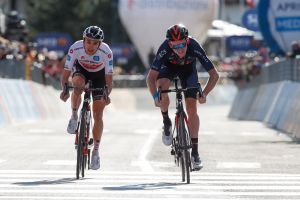 <div>Tao Geoghegan Hart takes stage 20 victory to move equal on overall time with Jai Hindley at Giro d'Italia 2020</div>