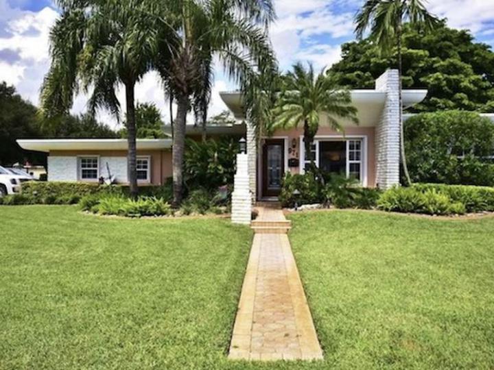 971 NE 113th St, Biscayne Park FL 33161  wholesale property listing for sale