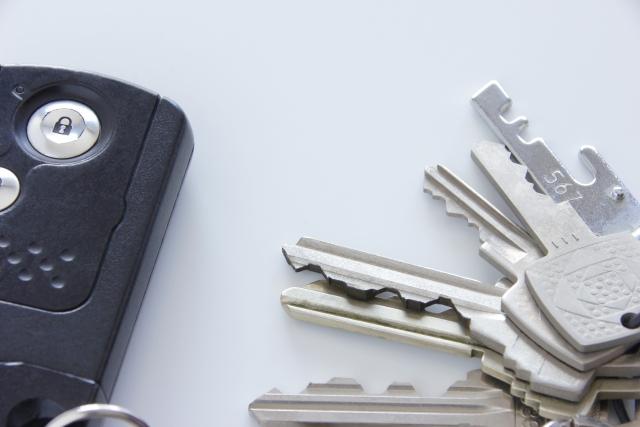 車のイグニッションキーが回わらない時の対処法とは?