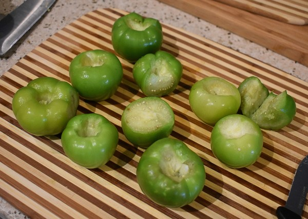 fresh peeled tomatillos